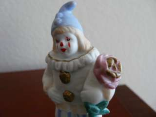VINTAGE SMALL MUSICAL FIGURINECLOWN WITH ROSE JAPAN