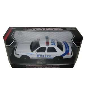 com 2007 Ford Crown Victoria Vancouver Police Car 124 Toys & Games