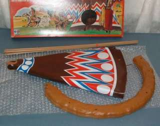 ; TIPI / TENTE FOR 12 ACTION FIGURES   ARBOIS / HASBRO   1976