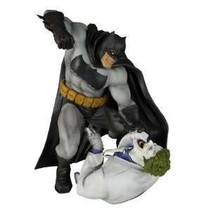 Kotobukiya The Dark Knight Returns Batman vs. Joker ArtFX