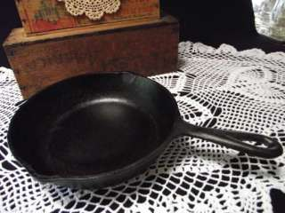 USA MADE NO. 5 CAST IRON SKILLET FRY FRYING PAN 8 1/2