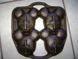 DISNEY MICKEY MOUSE CAST IRON CUPCAKE BAKING PAN