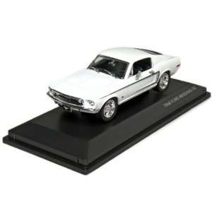 Road Legend 1/43 Scale: 1968 Ford Mustang GT Fastback