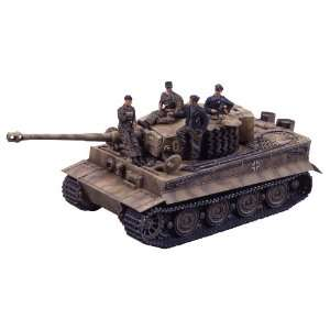 Tamiya 1/35 German Tiger 1 Tank Late Version w/Crew: Toys