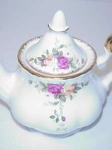 ROYAL ALBERT OLD COUNTRY ROSES MINI TEAPOT & LID TEA FOR ONE