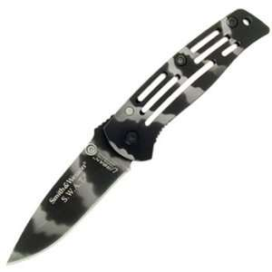 & Wesson SW3300C Swat Baby Frame Lock Knife, Camo Home Improvement