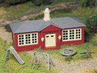 BACHMANN PLASTICVILLE SCHOOL HOUSE O SCALE BUILDING KIT