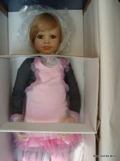 New ♥ Shannon ♥ by Susan Lippl ♥ Masterpiece Doll ♥ |