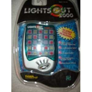 Tiger Electronics Lights Out 2000 Hand Held Game Toys & Games