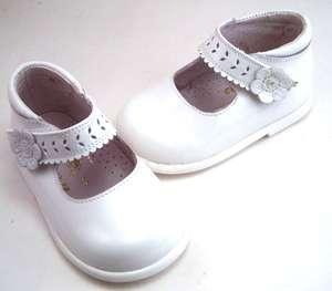 NIB**De Osu S 7350 Baby Girls White Leather Dress Shoes  Spain Euro 17