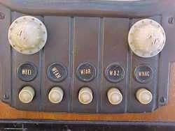 ZENITH STANDARD BROADCAST RADIO MODEL 5 S 319