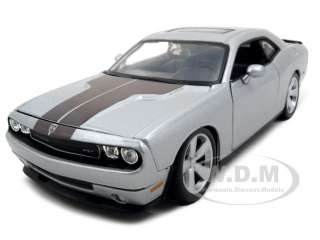 2008 DODGE CHALLENGER SRT8 SILVER 124 DIECAST MODEL