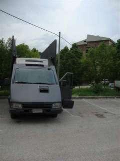 Vendo Posterbus Iveco con pannelli verticali removibili 6x3 TRATTABILE