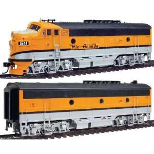 PROTO 2000 HO Scale Diesel EMD F3A B Set Powered with