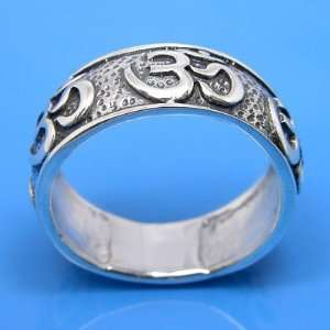 8.02 grams 925 Sterling Silver OM Symbol Band Ring Size 11
