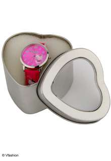 WOMENS KIDS PINK HELLO KITTY WATCH IN HEART GIFT BOX